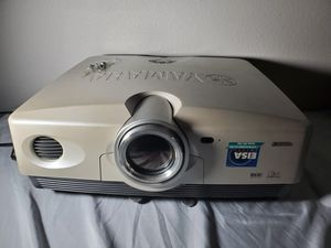 YAMAHA DIGITAL CINEMA PROJECTOR DPX-1000 for Sale in Winter Haven, FL