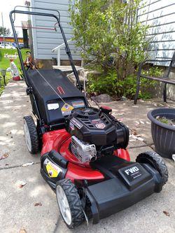 "Craftsman Platinum 21"" Inch Self Propelled Lawnmower W/Bag  for Sale in Aurora, IL"