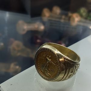 18kt***Solid Gold Mens Ring Size 10. Or big 9' for Sale in Fresno, CA