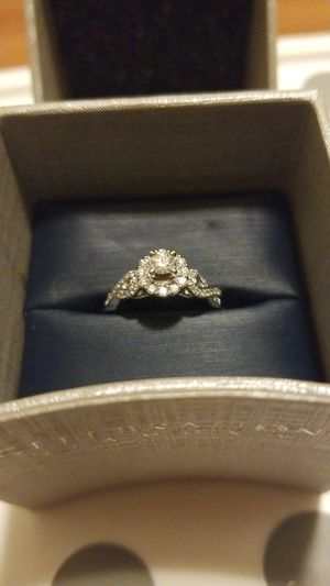 14kt white gold diamond engagement ring for Sale in Millersville, MD