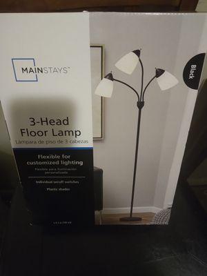 3 head floor lamp for Sale in Beech Grove, IN