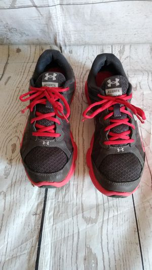 Beautiful Under Armour Shoes , women's size 7y ( excellent condition ) for Sale in Frederick, MD