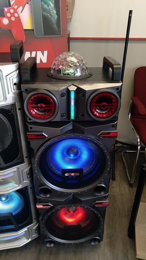 Max power bluetooth speaker for Sale in Dallas, TX