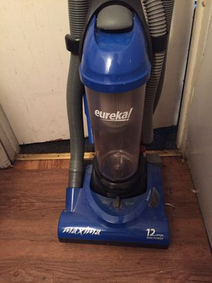 Nice vacuum cleaner works perfect for Sale in Saint Paul, MN
