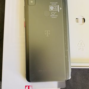 T-mobile REVVL , 32GB, for Sale in Cerritos, CA