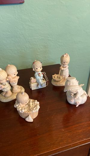 Genuine precious moments collection.3 dated 1987 1 dated 1982 for Sale in Valley Stream, NY