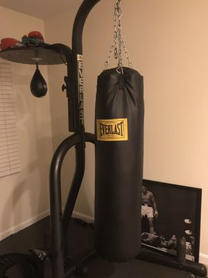 Everlast Heavy Bag with Stand and Speed Bag for Sale in Bowie, MD
