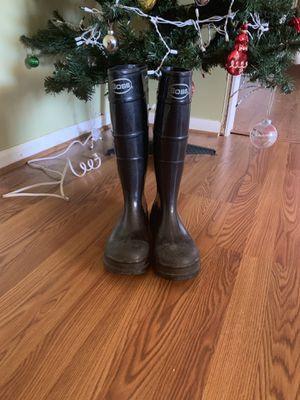 Men's rain boots (10-11) for Sale in Fayetteville, NC