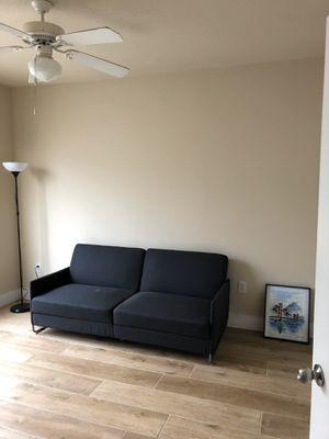 Gray futon for Sale in Tampa, FL