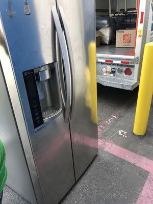 LG fridge for Sale in Hawthorne, CA