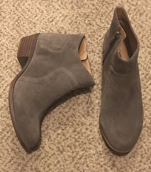 Size 7 Lucky Brand boots-like new for Sale in Cape Coral, FL