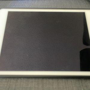 iPad Mini 5 64 GB WiFi With Case And Box for Sale in La Mesa, CA
