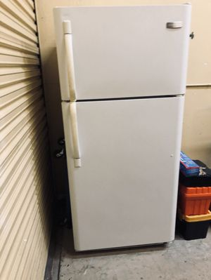 💥WEEKEND SALE!💥 FRIGIDAIRE CLEAN & COLD! REFRIGERATOR / TOP FREEZER perf for Garage or Condo Apt! OPEN NOW till 3p 1118 N G ST LW for Sale in Lake Worth, FL