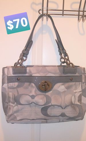 NUSED actually not used COACH Signature purse for Sale in Rockville, MD