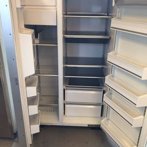 Nice Big Refrigerator Side By Side for Sale in Turlock, CA