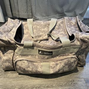 Everest Duffle Bag Camouflage for Sale in Costa Mesa, CA