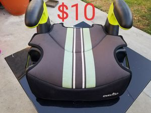 Booster car seat for Sale in Lakewood, CA