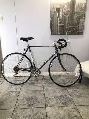 fuji road bike for Sale in Cedar Hill, TX