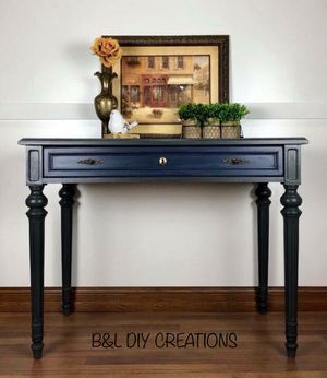 Entryway Table for Sale in Hilbert, WI