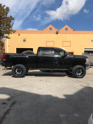 Lift kit suspension parts for Chevy truck for Sale in Miami, FL
