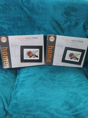 """7""""digital photo frame for Sale in Denver, CO"""