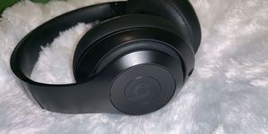 Asking for 100 solo 3 wireless beats for Sale in Columbus, OH