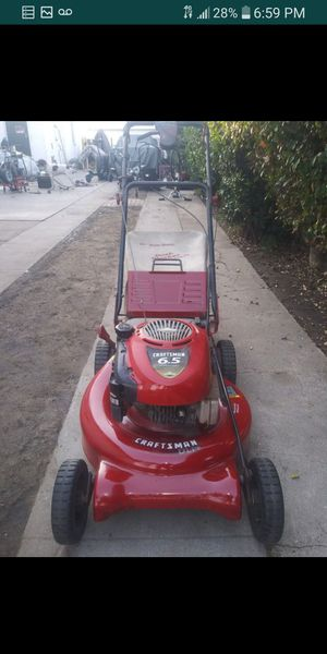 Lawnmower craftsman 6.75hp self propelled rear in excellent conditions ready to use for Sale in Bell Gardens, CA