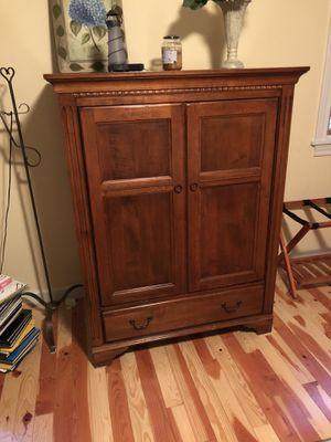 Ethan Allen TV Cabinet for Sale in Stevensville, MI