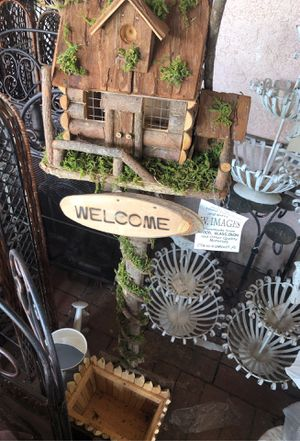 Wooden Yard decorative piece/pot for Sale in Industry, CA