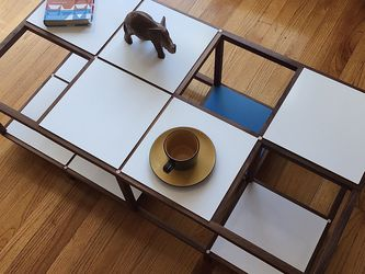 Mid Century Modern Style Walnut Coffee Table for Sale in Pittsburgh,  PA
