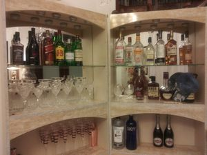 Gorgeous Home Bar!!! for Sale in Pembroke Pines, FL