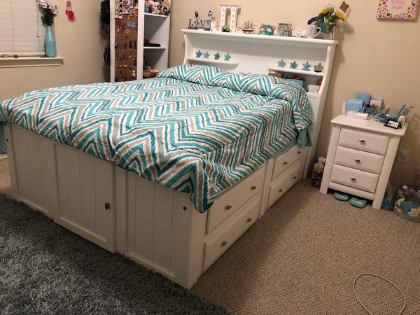 Laguna Full Bookcase Bed in white