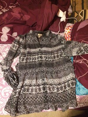 Black and white tunic top with ties - size XL for Sale in Lorton, VA