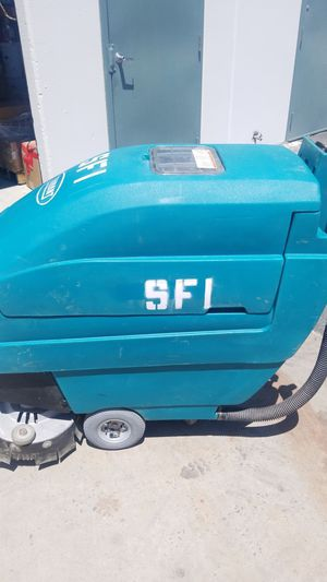 Tennant 5400 floor scrubber for Sale in Riverside, CA