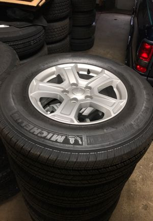 JEEP Wrangler New set of 5 Wheels and TIRES for Sale in Egg Harbor City, NJ