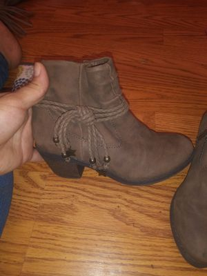 Lil girl ankle boots size 12 for Sale in Philadelphia, PA