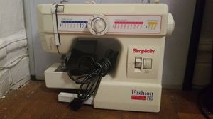 Simplicity sewing machine for Sale in Brooklyn, NY