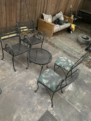 Five piece outdoor furniture set for Sale in Philadelphia, PA