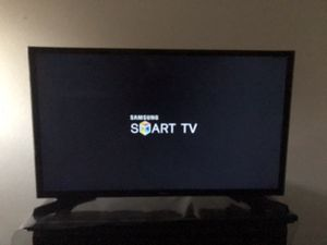 "Samsung - 32"" Class N5300 Series LED Full HD Smart Tizen TV for Sale in Santee, CA"