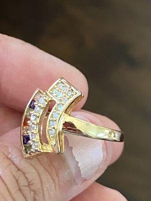 GORGEOUS GOLD PLATED MULTI COLOR RING for Sale in Antioch, CA