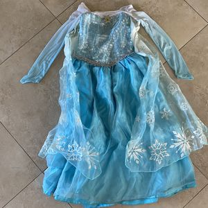 DISNEY FROZEN ELSA COSTUME 7/8 for Sale in San Diego, CA
