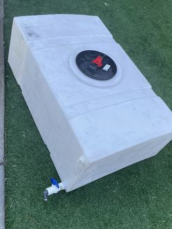 Water Tank for Sale in Los Angeles,  CA