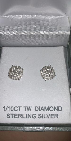 Diamond earrings (brand NEW) for Sale in Victorville, CA