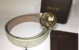 Gucci Interlocking White Leather Belt Authentic for Sale in Queens, NY