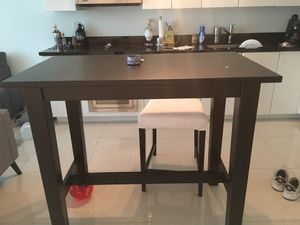 High top kitchen dinner table for Sale in Miami, FL