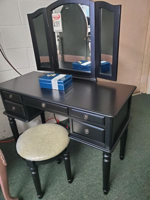 VANITY MAKEUP MIRROR for Sale in Los Alamitos, CA