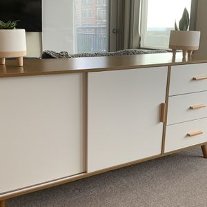 """62"""" X 29"""" Credenza Buffet Table Tv Stand Console Table for Sale in Seattle, WA"""