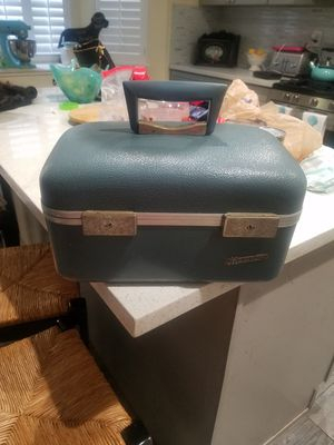 Antique Trunk Case for Sale in Rancho Cucamonga, CA