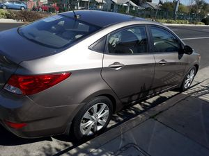 Hyundai Accent 2013 for Sale in Los Angeles, CA