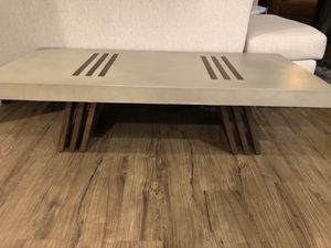HD Buttercup coffee table for Sale in Los Angeles, CA